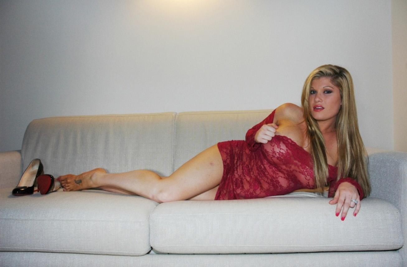 gabriella-scanio-red-passion-003