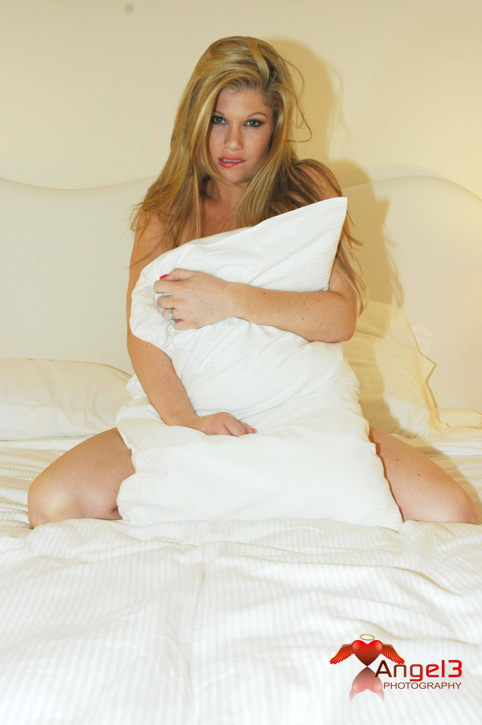 whore-wife-brie-randall-005p